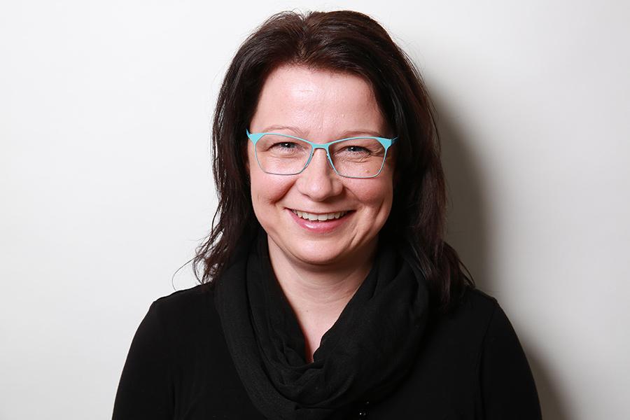 Yvonne Lorke