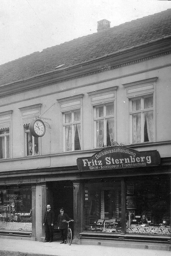 Erste elektrische Normaluhr mit Signal von der Sternwarte in Potsdam